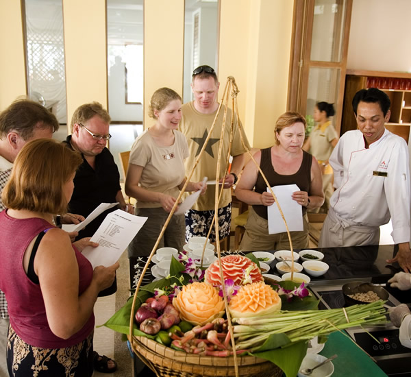 Cooking class & Traditional music